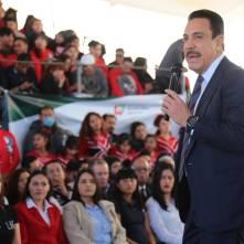 Apoya Omar Fayad la economía familiar de estudiantes de educación media superior y superior3