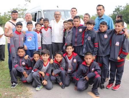 Cercanía permanente de la SEPH con la comunidad educativa, destaca Atilano Rodríguez1