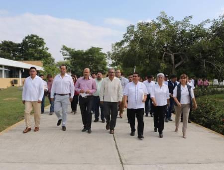 Cercanía permanente de la SEPH con la comunidad educativa, destaca Atilano Rodríguez2