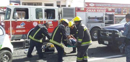 Chocan taxi y vehículo particular; una persona fallecida y 9 lesionados.jpg