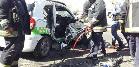 Chocan taxi y vehículo particular; una persona fallecida y 9 lesionados2.jpg