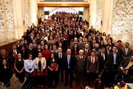 Entrega UAEH Mérito Garza a 96 Universitarios destacados