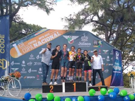 La delegación hidalguense de ciclismo participó en la primera copa nacional de MTB4