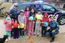 Policía Estatal entrega juguetes y ropa a niños escasos recursos4