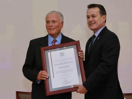 Realiza UAEH homenaje a Juan Velasquez2