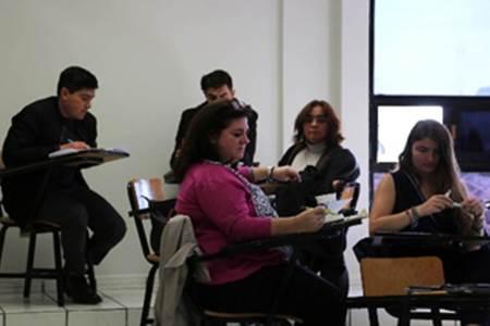 UAEH sede de curso de habilitación para correctores y examinadores de la Lengua Francesa