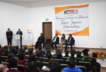 UTMiR entrega títulos a sus graduados 4
