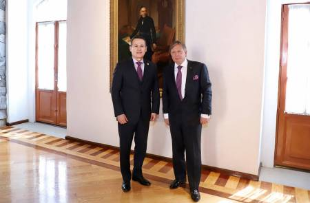 Visita embajador de Rusia a la UAEH2