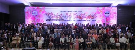 Celebran con Bodas del Centenario en Mineral de la Reforma a 108 matrimonios4