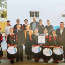 Conmemora alcalde Rául Camacho, lábaro patrio en planteles escolares 5