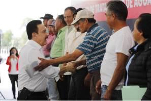 Continúa Fayad combate a la pobreza; Lleva servicios básicos a Santiago de Anaya
