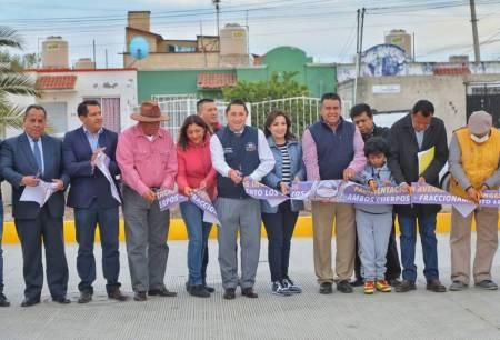 Entrega alcalde Raúl Camacho, pavimentación en Av Los Ingenieros en Los Tuzos 2