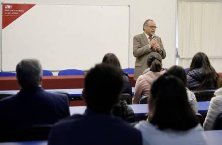 Ex alumnos participan en celebración de 75 años de Escuela de Medicina2