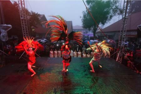 Festival Universitario de la Mujer como parte de la semana cultural de la UAEH