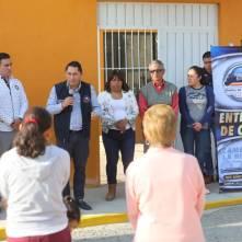 Inaugura alcalde Raúl Camacho electrificación en Azoyatla 3