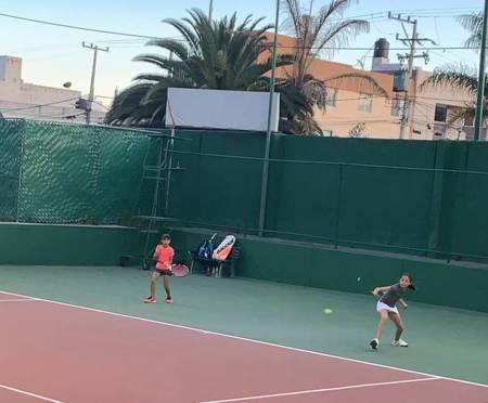 La selección estatal de Hidalgo de tenis participo en el torneo regional de la disciplina2