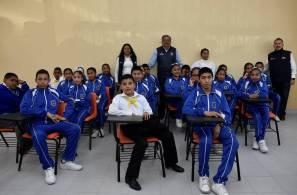 Se beneficia a comunidad escolar de la Telesecundaria 139 de Ixmiquilpan con aulas didácticas1
