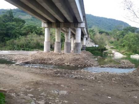 SOPOT rehabilita puente vehicular de acceso a Xochiatipan1