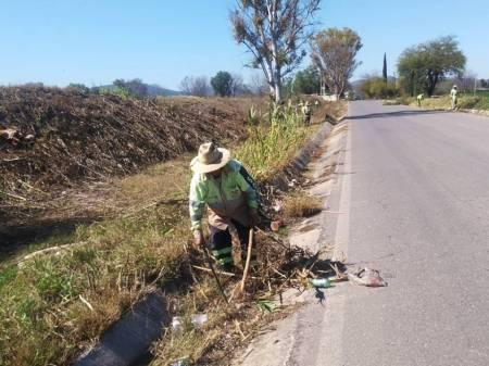 trabajos de limpieza en Tecozautla
