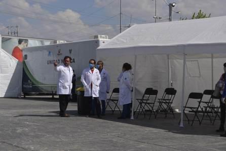 Becarios hidalguenses reciben atención preventiva en Hospital de Respuesta Inmediata COVID 19-4