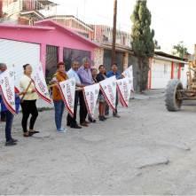 Gabriel García Rojas da banderazo de inicio de la pavimentación asfáltica del Circuito Tizayuca en Las Plazas2