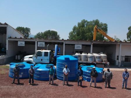 Conagua entrega cisternas a 5 municipios de Hidalgo en apoyo al abastecimiento de agua potable durante contingencia sanitaria