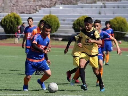 Desde casa la dirección de deporte social del INHIDE continúa con el trabajo de la escuela de futbol del CDRM1