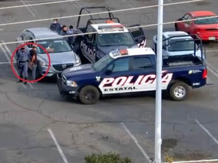 Detienen en Tulancingo a par de sujetos que llevaban armas de alto poder