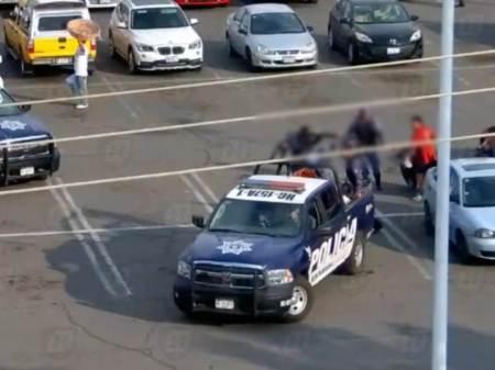 Detienen en Tulancingo a par de sujetos que llevaban armas de alto poder2
