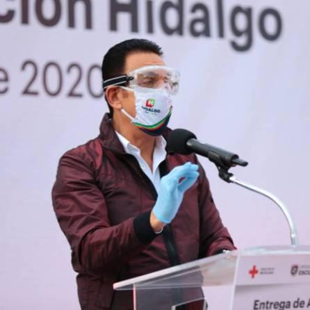 Entrega Omar Fayad ambulancias para diferentes regiones de Hidalgo1