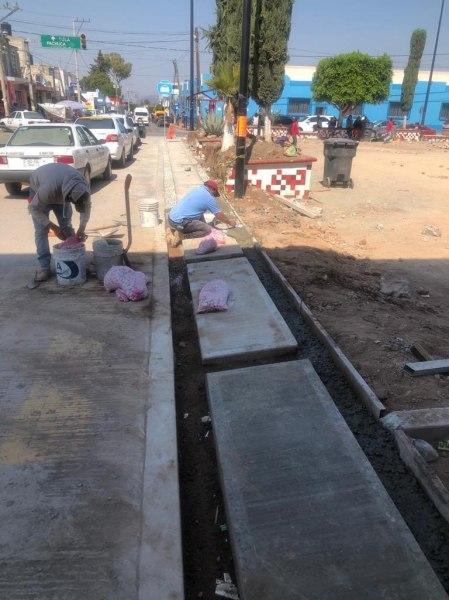 SOPOT realiza obra de rehabilitación de Plaza Juárez en San Agustín Tlaxiaca2