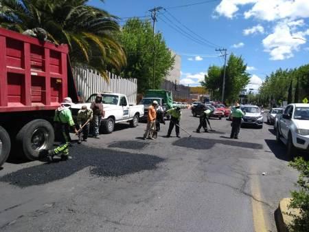 SOPOT realiza mantenimiento en el bulevar Felipe Ángeles en el entronque con el bulevar Colosio