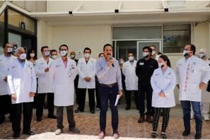 Anuncia Fayad estímulo económico a personal médico y de enfermería