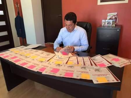 La Presidencia Municipal de Zempoala condona pagos en derechos por servicio de expedición y renovación de placas de funcionamiento para establecimientos, entre otros apoyos2