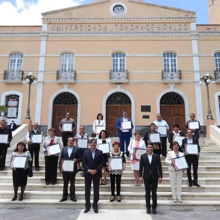 Otorga UAEH beneficio de la jubilación a 90 administrativos y académicos4
