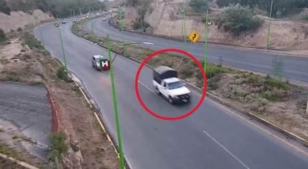Recuperan C5i y Policía Estatal camioneta robada con violencia en Mineral de la Reforma
