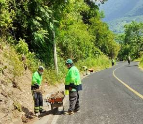 SOPOT realiza trabajos de limpieza en Carretera Estatal Ramal Pisaflores1