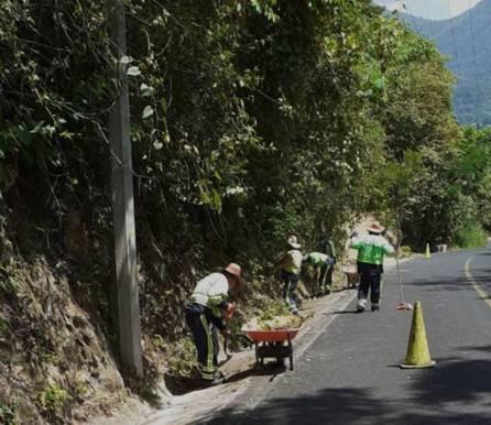 SOPOT realiza trabajos de limpieza en Carretera Estatal Ramal Pisaflores4