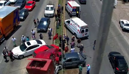 Un choque entre varios vehículos se registró en la carretera México-Tuxpan