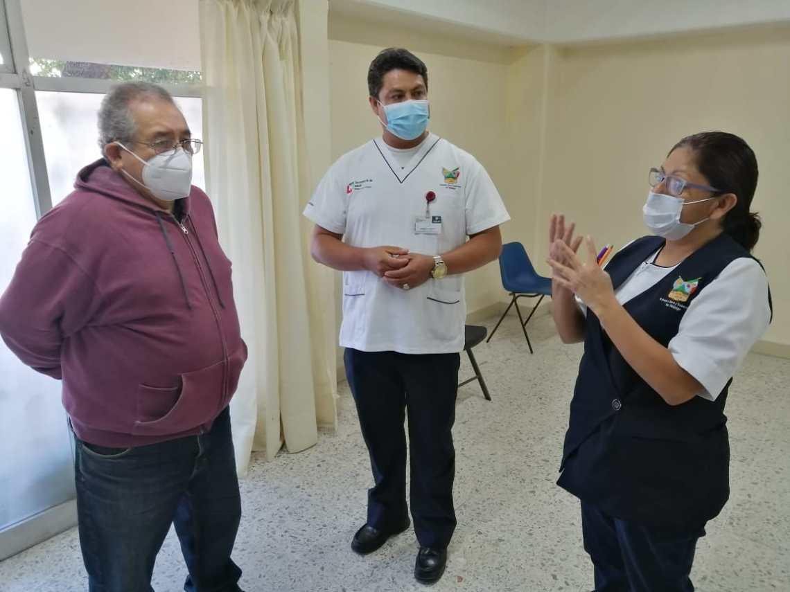 Visita Baptista a personal del Centro de Salud de Tula para reconocer su arriesgado trabajo