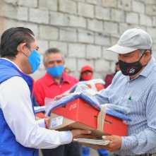 Entrega alcalde Raúl Camacho, uniformes a trabajadores de servicios municipales2