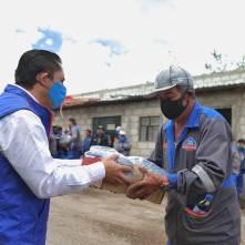 Entrega alcalde Raúl Camacho, uniformes a trabajadores de servicios municipales3