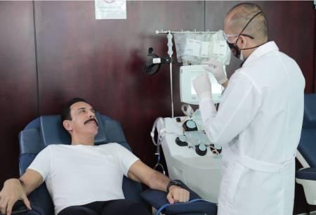 Omar Fayad primer donador de plasma en Hidalgo2