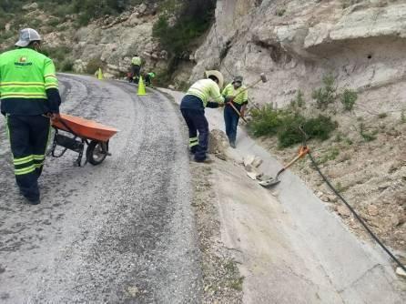 SOPOT realizó trabajos de retiro de caídos y desazolve de cunetas en Zimapán 4